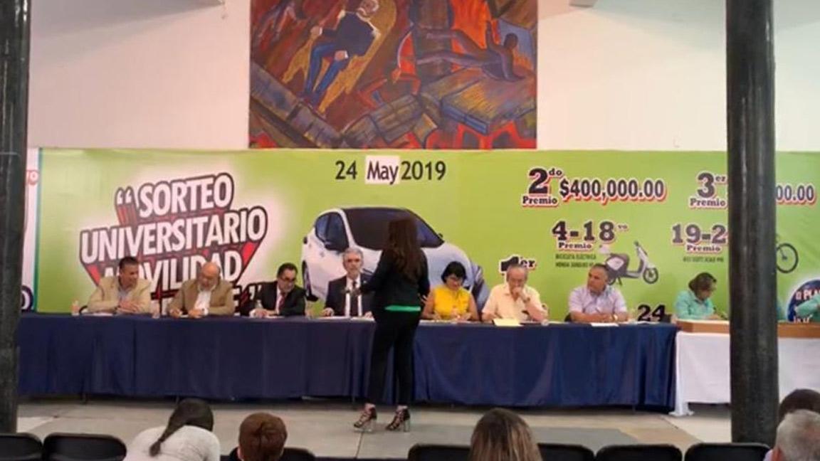 MÁS DE DOS MILLONES DE PESOS EN PREMIOS, OTORGÓ EL MAGNO SORTEO DE LA UAS.
