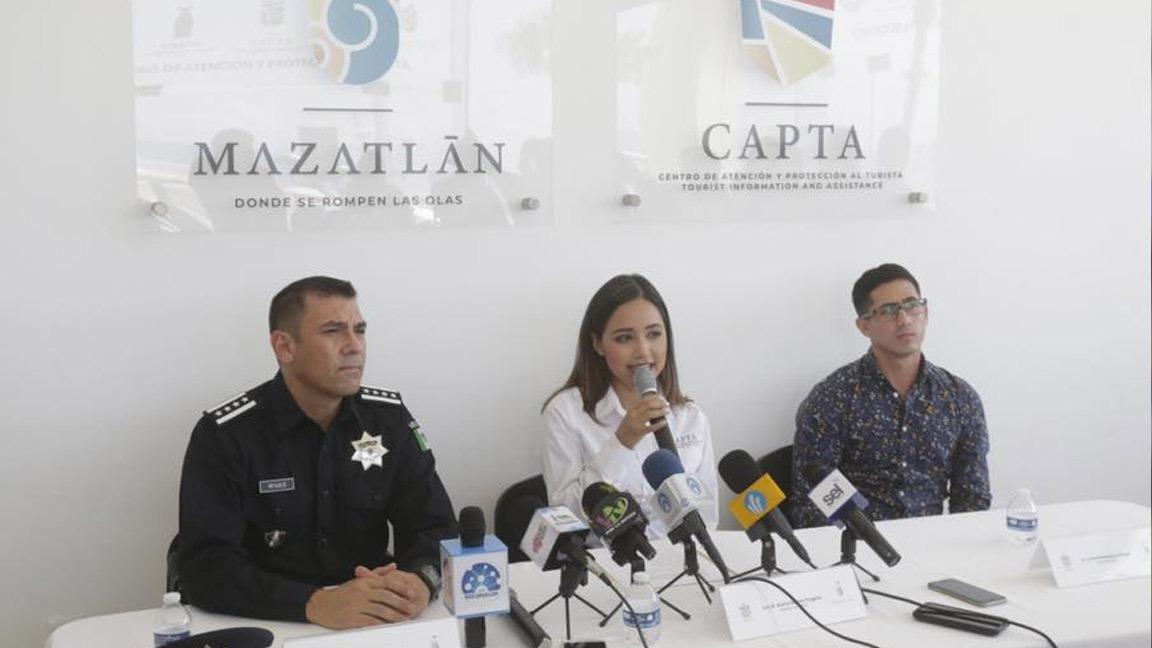 POLICÍAS, TRÁNSITOS TURÍSTICOS Y SALVAVIDAS RECIBEN CAPACITACIÓN EN INGLÉS BÁSICO.